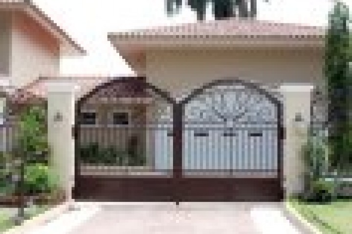 Your Local Fencer Driveway Gates 720 480